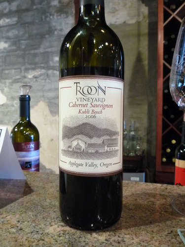 Wine Tasting in Willamette Valley – Troon